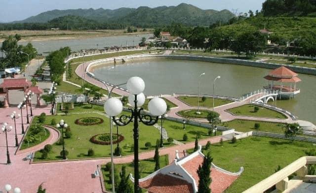 Cột đèn sân vườn tại Hải Dương