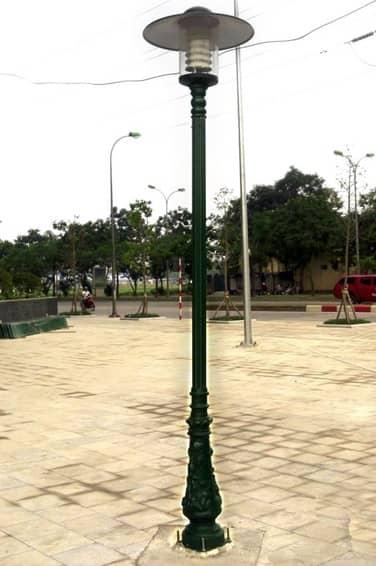Mẫu cột đèn sân vườn 1 bóng