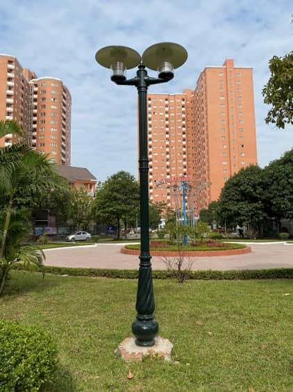 Cột đèn sân vườn Banian