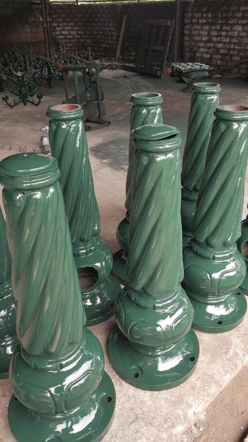 Đế cột đèn banian