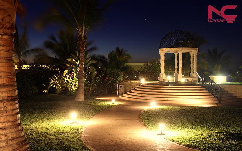 Chiếu sáng sân vườn ngoài trời