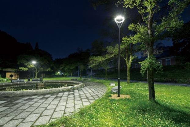 Cột đèn công viên