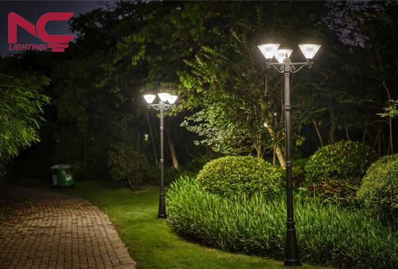 Cột đèn trang trí công viên