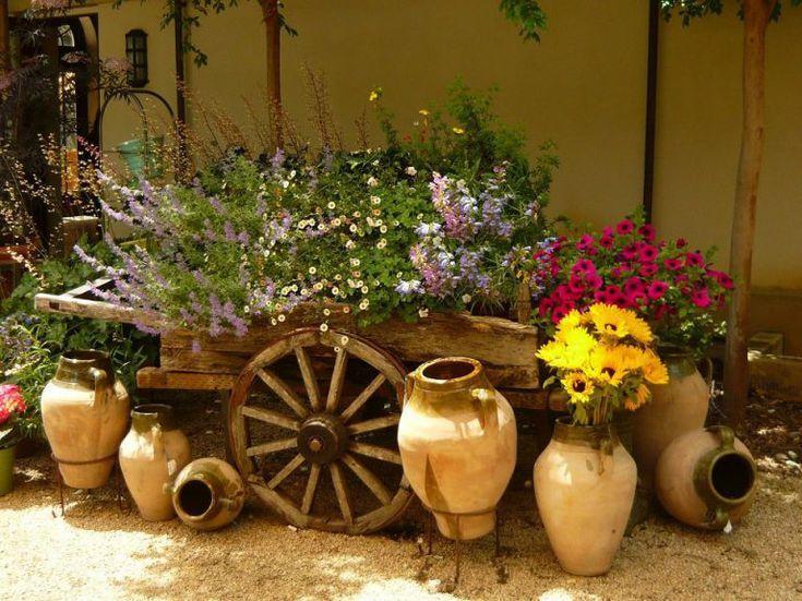 Trang trí sân vườn phong cách mộc mạc