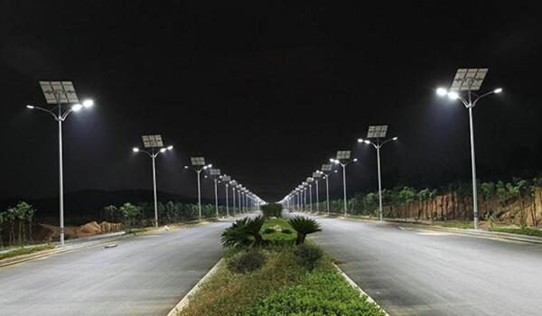 Đèn đường chiếu sáng năng lượng mặt trời