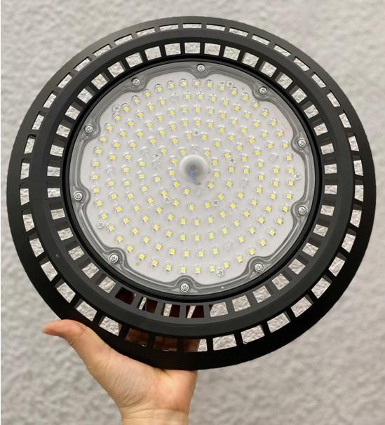 Đèn highbay UFO nhà máy sản xuất dược phẩm